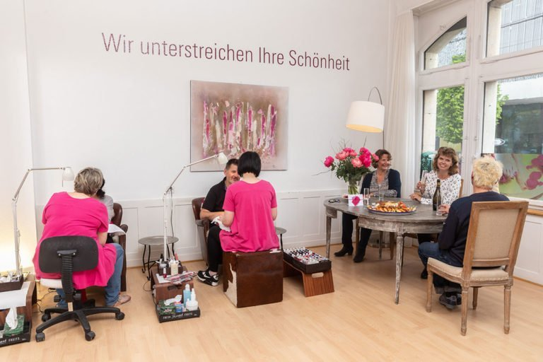 Laqueria – We underline your beauty | Güterstrasse 108 | CH - 4053 Basel | +41 61 361 00 44